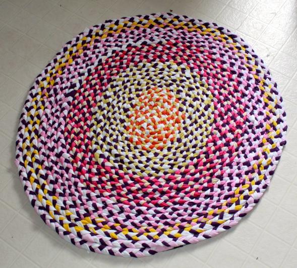 Recycled t-shirts rag rug