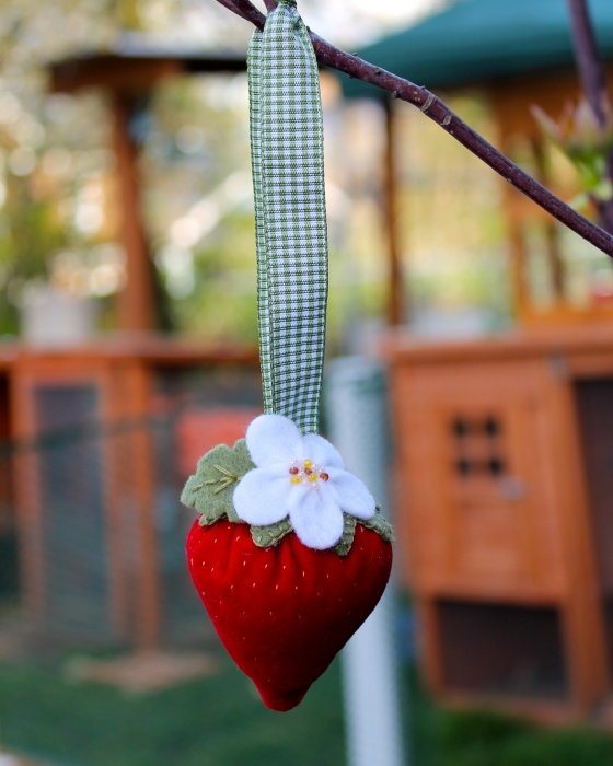 Pincushion shaped like a strawberry
