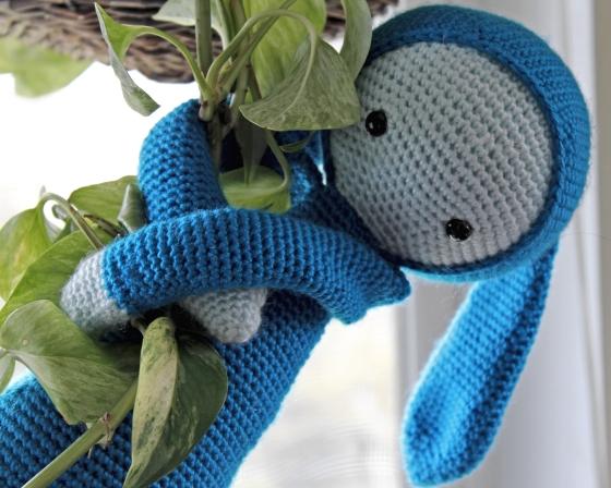Lalylala Rita the rabbit blue yarn with plant