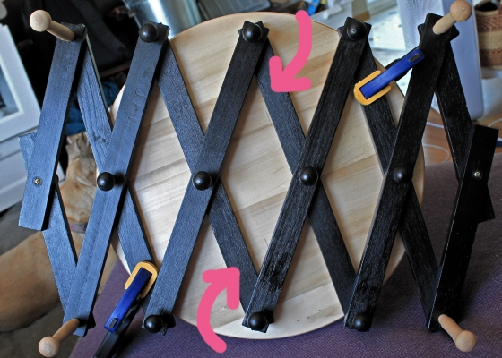 Making a DIY yarn swift with a lazy susan and expandable shoe rack